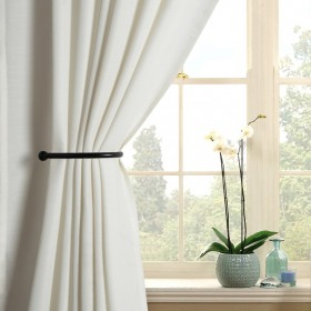 Holdback can be used to hold curtain