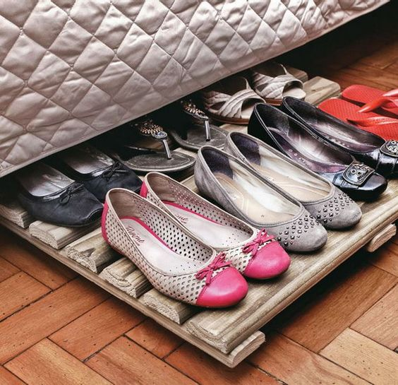 Make under bed space useful to store your stuff in neat manner